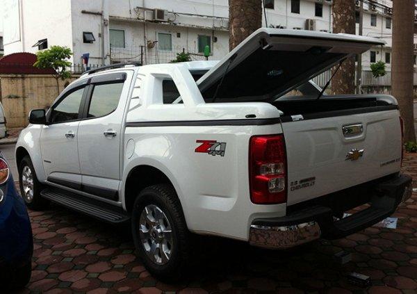 nap-thung-thap-xe-colorado-autosaigon-4