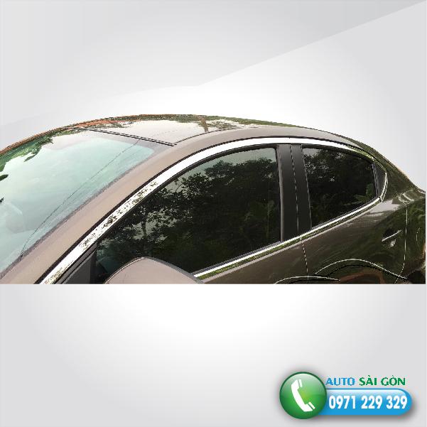 Vien-inox-quanh-kinh-Mazda-2-auto-sai-gon-01