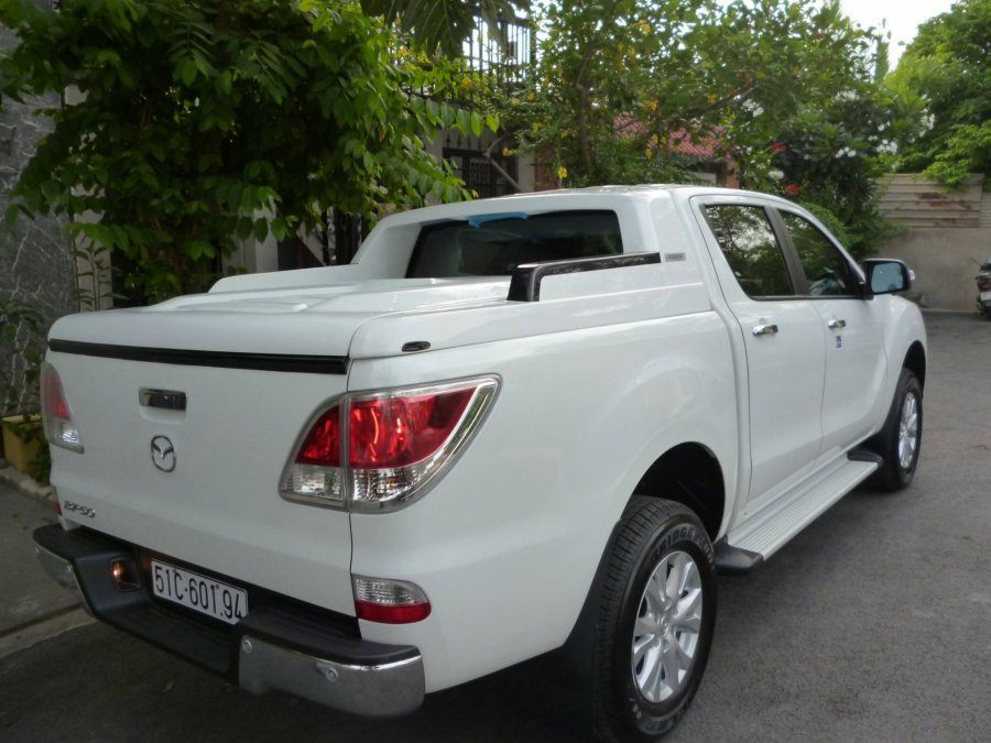 nap-thung-thap-all-new-mazda-bt-50_1