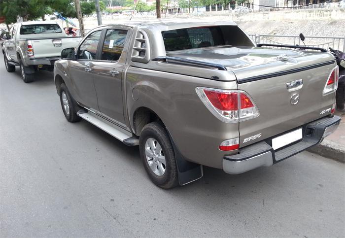 nap-thung-thap-mang-ca-xe-Mazda-BT50_1
