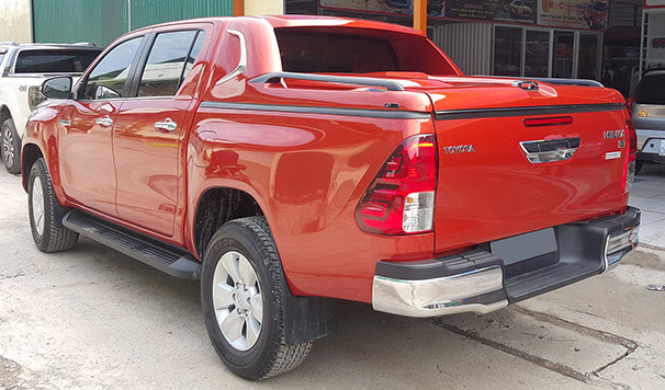 nap-thung-thap-toyota-hilux-2015-2